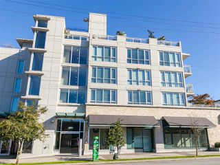 """Photo 20: 330 2008 PINE Street in Vancouver: False Creek Condo for sale in """"MANTRA"""" (Vancouver West)  : MLS®# R2412400"""