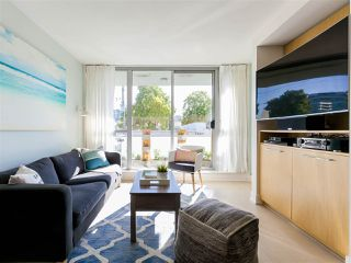 """Photo 13: 330 2008 PINE Street in Vancouver: False Creek Condo for sale in """"MANTRA"""" (Vancouver West)  : MLS®# R2412400"""