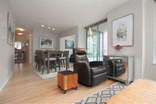 "Photo 8: 606 33 SMITHE Street in Vancouver: Yaletown Condo for sale in ""Coopers Lookout"" (Vancouver West)  : MLS®# R2440133"