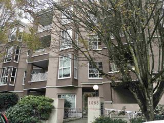 "Photo 1: 207 1688 E 8TH Avenue in Vancouver: Grandview Woodland Condo for sale in ""LA REZIDENZA"" (Vancouver East)  : MLS®# R2454576"