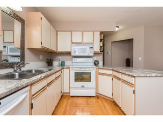"""Photo 9: 4 45640 STOREY Avenue in Chilliwack: Sardis West Vedder Rd Townhouse for sale in """"WHISPERING PINES"""" (Sardis)  : MLS®# R2471903"""