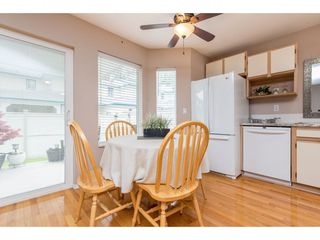 """Photo 3: 4 45640 STOREY Avenue in Chilliwack: Sardis West Vedder Rd Townhouse for sale in """"WHISPERING PINES"""" (Sardis)  : MLS®# R2471903"""