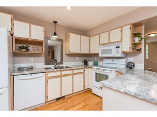 """Photo 8: 4 45640 STOREY Avenue in Chilliwack: Sardis West Vedder Rd Townhouse for sale in """"WHISPERING PINES"""" (Sardis)  : MLS®# R2471903"""