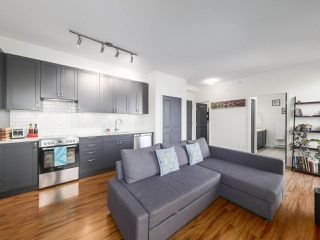 Photo 5: PH1 683 E 27TH Avenue in Vancouver: Fraser VE Condo for sale (Vancouver East)  : MLS®# R2480898