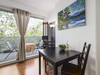 Photo 10: PH1 683 E 27TH Avenue in Vancouver: Fraser VE Condo for sale (Vancouver East)  : MLS®# R2480898