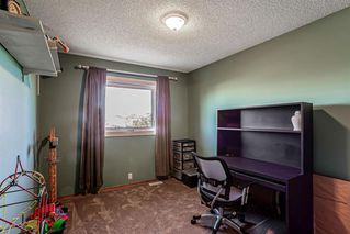 Photo 17: 43 Riverwood Court SE in Calgary: Riverbend Detached for sale : MLS®# A1029978