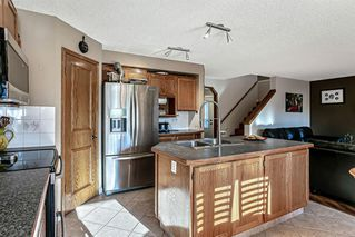 Photo 3: 43 Riverwood Court SE in Calgary: Riverbend Detached for sale : MLS®# A1029978