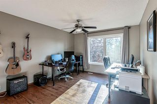 Photo 15: 43 Riverwood Court SE in Calgary: Riverbend Detached for sale : MLS®# A1029978