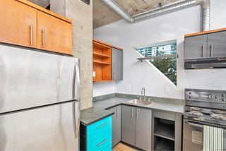 Photo 5: 209 1061 Fort St in : Vi Downtown Condo for sale (Victoria)  : MLS®# 858681