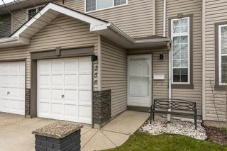 Photo 2: 256 Shawinigan Drive SW in Calgary: Shawnessy Row/Townhouse for sale : MLS®# A1050807