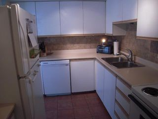 """Photo 6: 107 175 W 4TH Street in North Vancouver: Lower Lonsdale Condo for sale in """"Admiralty Court"""" : MLS®# V849061"""