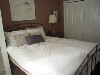 """Photo 9: 107 175 W 4TH Street in North Vancouver: Lower Lonsdale Condo for sale in """"Admiralty Court"""" : MLS®# V849061"""