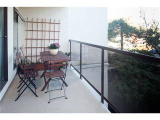 """Photo 9: 220 2222 PRINCE EDWARD Street in Vancouver: Mount Pleasant VE Condo for sale in """"SUNRISE IN THE PARK"""" (Vancouver East)  : MLS®# V866979"""