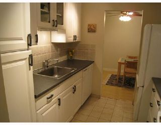 "Photo 5: 109 2777 OAK Street in Vancouver: Fairview VW Condo for sale in ""TWELVE OAKS"" (Vancouver West)  : MLS®# V716833"