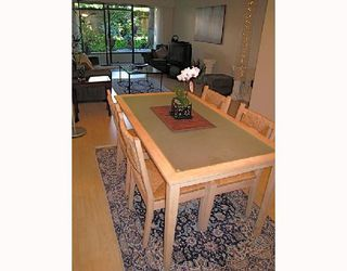 "Photo 3: 109 2777 OAK Street in Vancouver: Fairview VW Condo for sale in ""TWELVE OAKS"" (Vancouver West)  : MLS®# V716833"