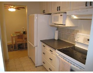 "Photo 4: 109 2777 OAK Street in Vancouver: Fairview VW Condo for sale in ""TWELVE OAKS"" (Vancouver West)  : MLS®# V716833"