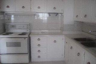 Photo 4: 11 100 Leeward Glenway in Toronto: Condo for sale (C11: TORONTO)  : MLS®# C1519462
