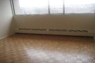 Photo 5: 11 100 Leeward Glenway in Toronto: Condo for sale (C11: TORONTO)  : MLS®# C1519462