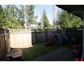 """Photo 10: 103 36060 OLD YALE Road in Abbotsford: Abbotsford East Townhouse for sale in """"MOUNTAIN VIEW VILLAGE"""" : MLS®# F2904534"""