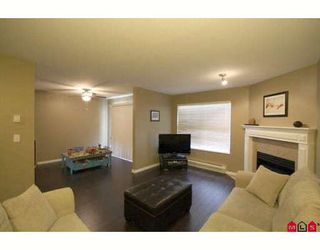 """Photo 5: 103 36060 OLD YALE Road in Abbotsford: Abbotsford East Townhouse for sale in """"MOUNTAIN VIEW VILLAGE"""" : MLS®# F2904534"""
