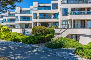 Main Photo: 208 5477 WHARF Road in Sechelt: Sechelt District Condo for sale (Sunshine Coast)  : MLS®# R2405430