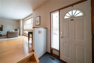 Photo 3: 375 RUTLEDGE Crescent in Winnipeg: Harbour View South Residential for sale (3J)  : MLS®# 1930990