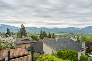 Photo 19: 35254 KNOX Crescent in Abbotsford: Abbotsford East House for sale : MLS®# R2453431