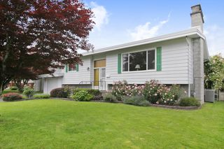 Photo 2: 46121 CLARE Avenue in Chilliwack: Fairfield Island House for sale : MLS®# R2464254