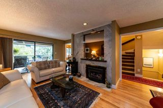 """Photo 2: 827 HENDECOURT Road in North Vancouver: Lynn Valley Townhouse for sale in """"LAURA LYNN"""" : MLS®# R2469327"""