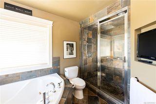Photo 15: 2215 Woodhampton Rise in Langford: La Bear Mountain Single Family Detached for sale : MLS®# 839263
