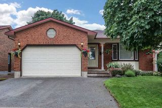 Photo 1: 306 Dickens Drive in Oshawa: Eastdale House (Backsplit 4) for sale : MLS®# E4858143