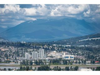 """Photo 18: 3307 13438 CENTRAL Avenue in Surrey: Whalley Condo for sale in """"PRIME ON THE PLAZA"""" (North Surrey)  : MLS®# R2490167"""