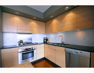 "Photo 5: 2403 1055 HOMER Street in Vancouver: Downtown VW Condo for sale in ""DOMUS"" (Vancouver West)  : MLS®# V784826"