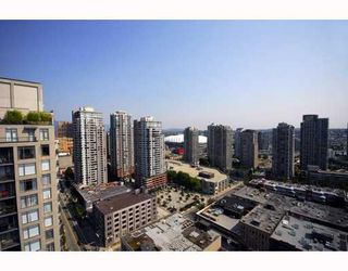 """Photo 7: 2403 1055 HOMER Street in Vancouver: Downtown VW Condo for sale in """"DOMUS"""" (Vancouver West)  : MLS®# V784826"""