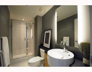 "Photo 6: 2403 1055 HOMER Street in Vancouver: Downtown VW Condo for sale in ""DOMUS"" (Vancouver West)  : MLS®# V784826"