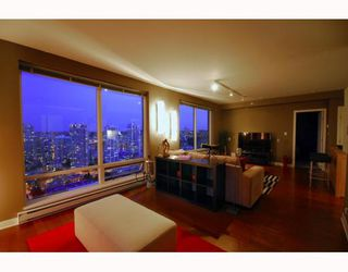"Photo 3: 2403 1055 HOMER Street in Vancouver: Downtown VW Condo for sale in ""DOMUS"" (Vancouver West)  : MLS®# V784826"
