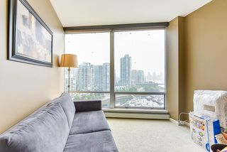 "Photo 33: 1902 1228 MARINASIDE Crescent in Vancouver: Yaletown Condo for sale in ""Crestmark II"" (Vancouver West)  : MLS®# R2502106"