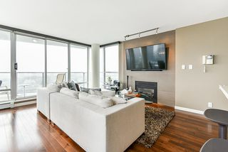 "Photo 11: 1902 1228 MARINASIDE Crescent in Vancouver: Yaletown Condo for sale in ""Crestmark II"" (Vancouver West)  : MLS®# R2502106"