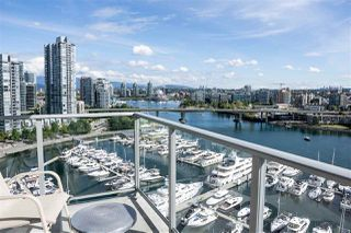 "Photo 9: 1902 1228 MARINASIDE Crescent in Vancouver: Yaletown Condo for sale in ""Crestmark II"" (Vancouver West)  : MLS®# R2502106"