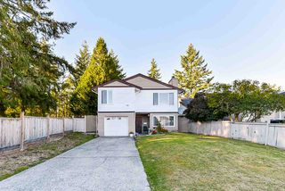 Photo 2: 12233 80B Avenue in Surrey: Queen Mary Park Surrey House for sale : MLS®# R2502694