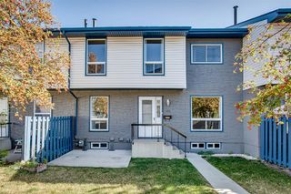 Main Photo: 131 6440 4 Street NW in Calgary: Thorncliffe Row/Townhouse for sale : MLS®# A1040159