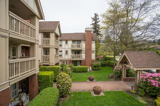 "Photo 19: 214 843 22ND Street in West Vancouver: Dundarave Condo for sale in ""TUDOR GARDENS"" : MLS®# R2528064"