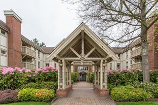 "Photo 28: 214 843 22ND Street in West Vancouver: Dundarave Condo for sale in ""TUDOR GARDENS"" : MLS®# R2528064"