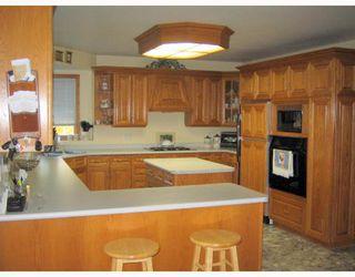 Photo 2: 199 CORUNNA Avenue in WINNIPEG: Middlechurch / Rivercrest Residential for sale (Winnipeg area)  : MLS®# 2820396