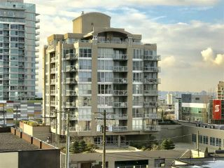 "Main Photo: 601 108 E 14TH Street in North Vancouver: Central Lonsdale Condo for sale in ""PIERMONT"" : MLS®# R2389929"