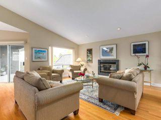 Photo 2: 1254 ESQUIMALT AVENUE in West Vancouver: Ambleside House for sale : MLS®# R2275871
