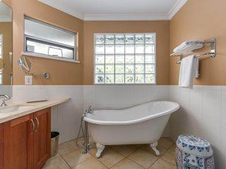 Photo 13: 1254 ESQUIMALT AVENUE in West Vancouver: Ambleside House for sale : MLS®# R2275871