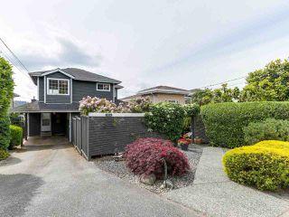 Photo 1: 1254 ESQUIMALT AVENUE in West Vancouver: Ambleside House for sale : MLS®# R2275871