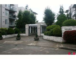 "Photo 1: 209 32075 GEORGE FERGUSON Way in Abbotsford: Abbotsford West Condo for sale in ""ARBOUR COURT"" : MLS®# F2918344"
