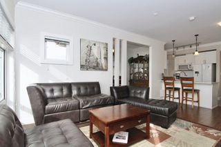 Photo 5: 307 11566 224 STREET in Maple Ridge: East Central Condo for sale : MLS®# R2440206